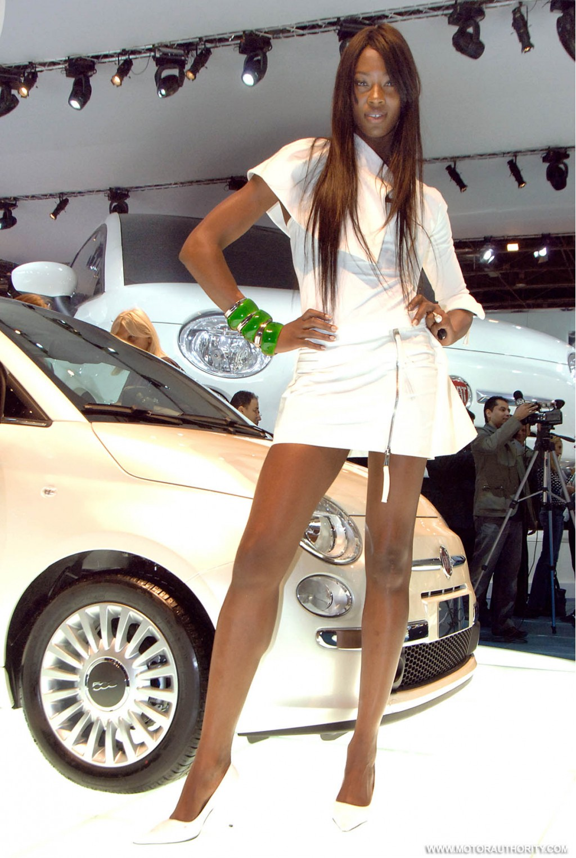 Gs Auto Sales >> Image: 2008 paris motor show girls 016, size: 1024 x 1525