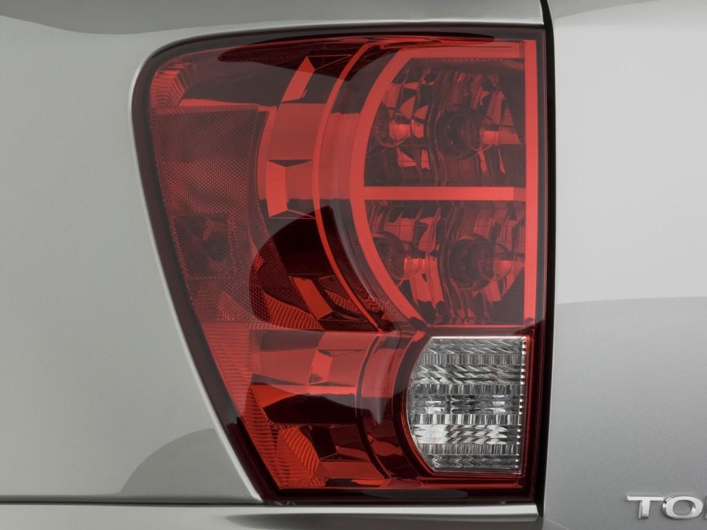 Image 2008 Pontiac Torrent Fwd 4 Door Tail Light Size