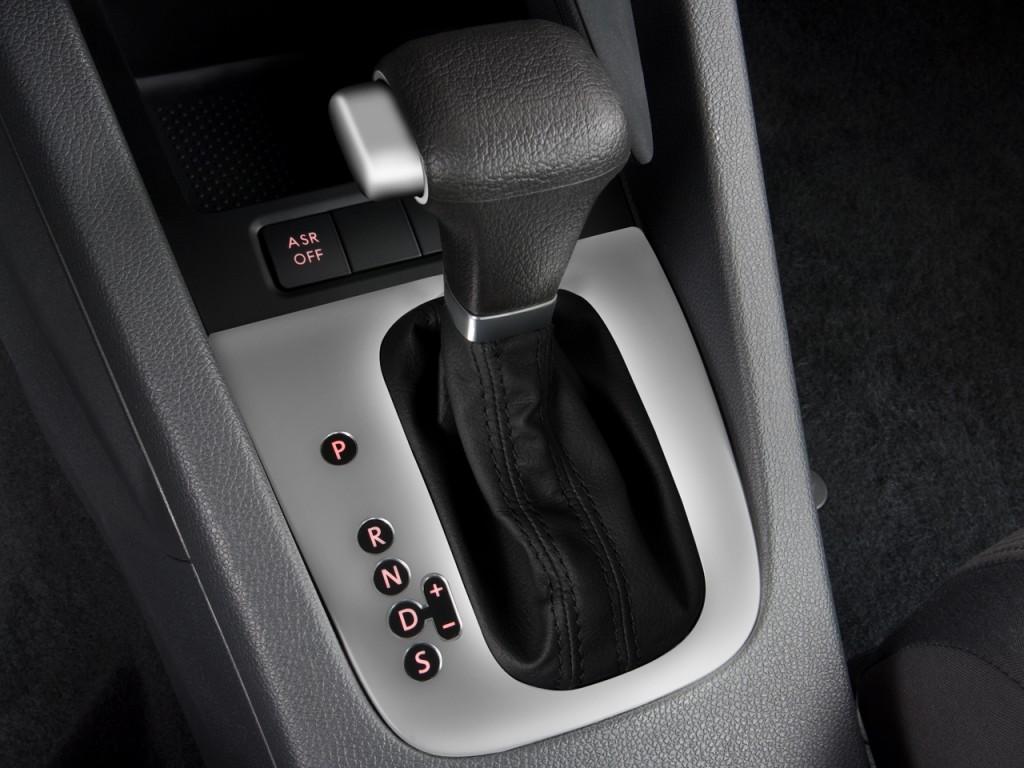 Image: 2008 Volkswagen Jetta Sedan 4-door Auto S PZEV Gear ...