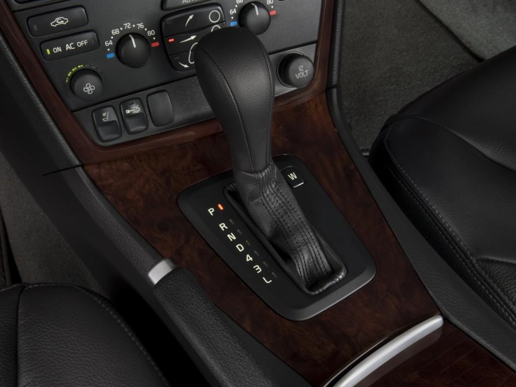 Image 2008 Volvo S60 4 Door Sedan 2 5t Fwd Gear Shift