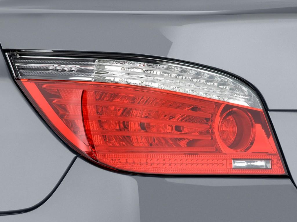 Image 2009 Bmw 5 Series 4 Door Sedan 550i Rwd Tail Light
