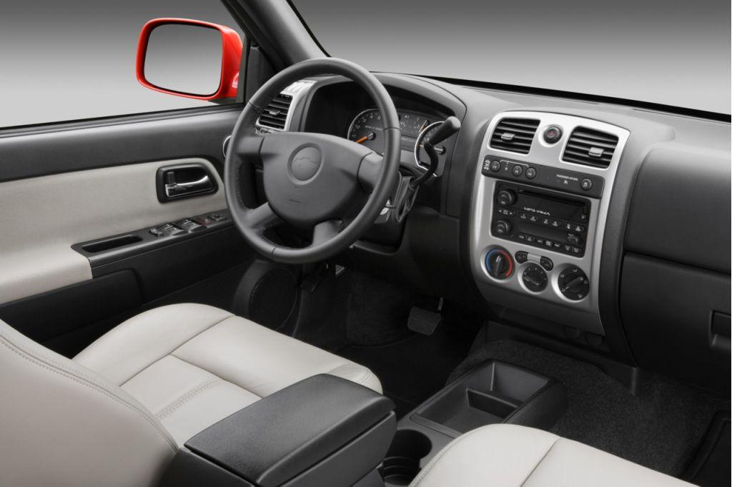 2009 Chevrolet Colorado interior