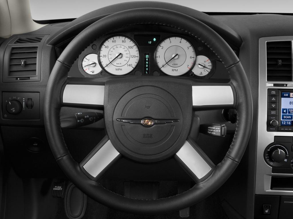 image 2009 chrysler 300 series 4 door sedan 300 touring rwd steering wheel size 1024 x 768. Black Bedroom Furniture Sets. Home Design Ideas