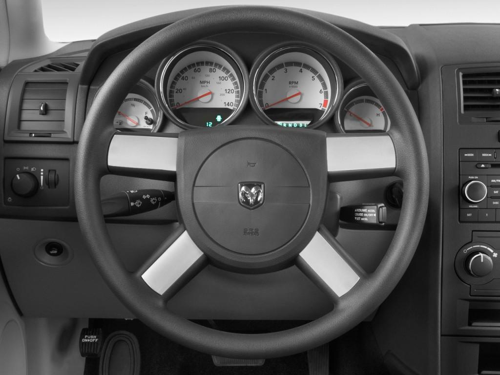 image 2009 dodge charger 4 door sedan se rwd steering. Black Bedroom Furniture Sets. Home Design Ideas