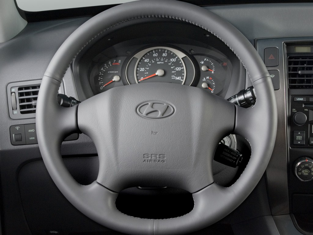 2014 Hyundai Accent 5 Door In London Male Models Picture