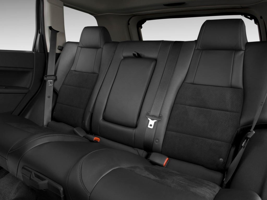 image 2009 jeep grand cherokee 4wd 4 door srt 8 rear seats size 1024 x 768 type gif posted. Black Bedroom Furniture Sets. Home Design Ideas