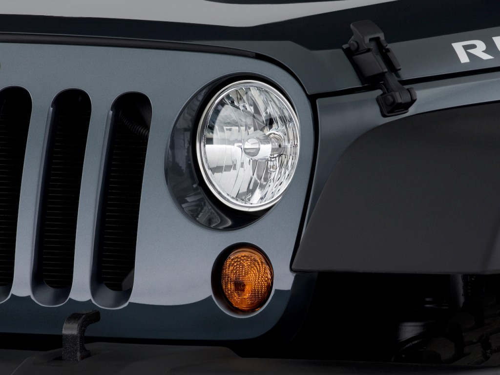 image 2009 jeep wrangler 4wd 2 door rubicon headlight. Black Bedroom Furniture Sets. Home Design Ideas
