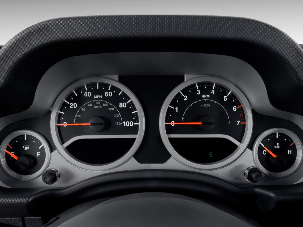 image  jeep wrangler wd  door rubicon instrument cluster size    type gif