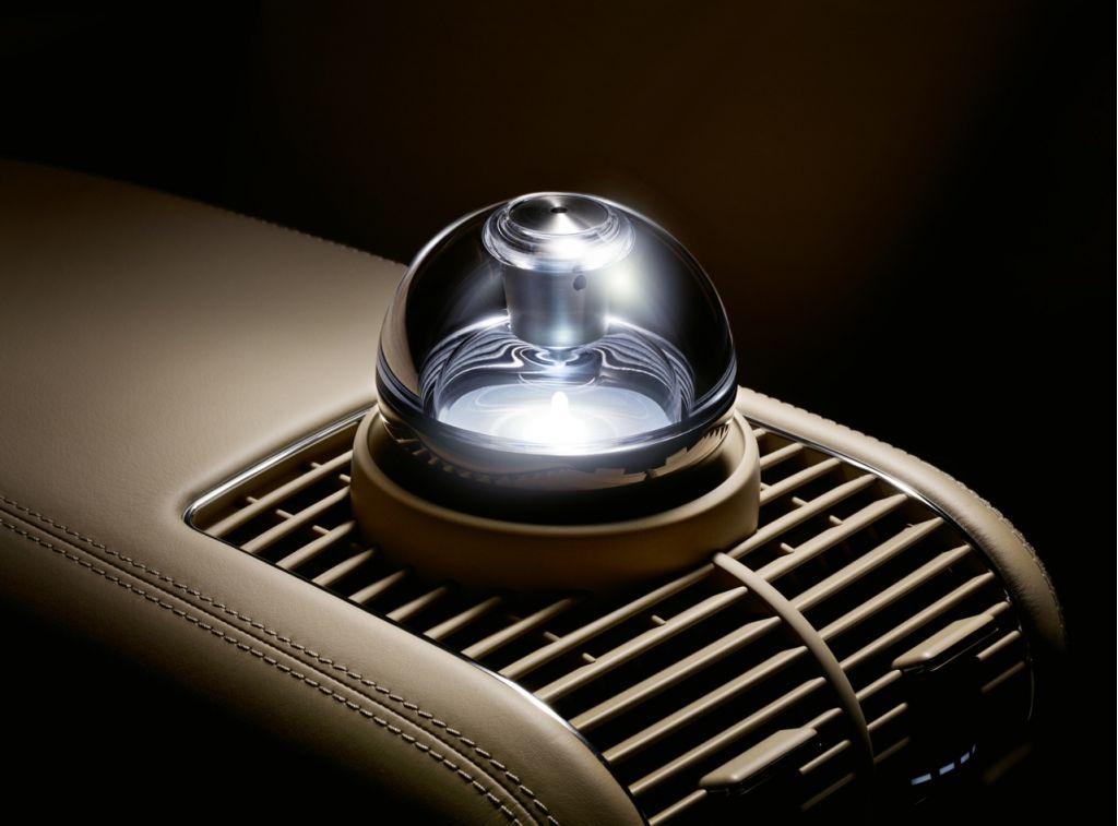 Image 2009 maybach zeppelin perfume atomizer size 1024 for Mercedes benz car perfume