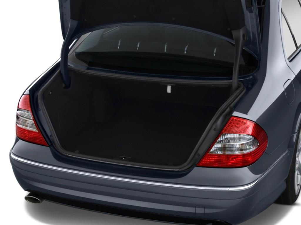 Image 2009 mercedes benz e class 4 door sedan sport 5 5l for How to open the trunk of a mercedes benz e320