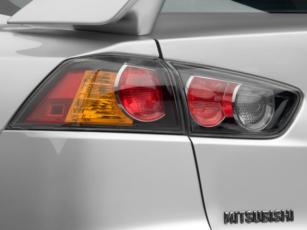 image  mitsubishi lancer  door sedan tc sst ralliart tail light size    type
