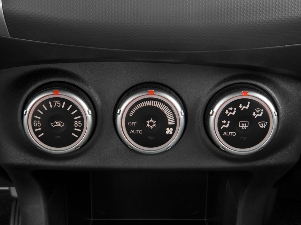 Image: 2009 Mitsubishi Outlander AWD 4-door XLS Temperature Controls, size: 1024 x 768, type ...