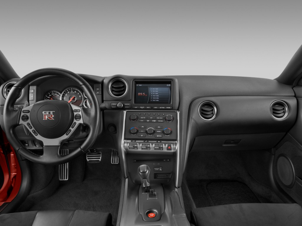 Image: 2009 Nissan GT-R 2-door Coupe Dashboard, size: 1024 ...