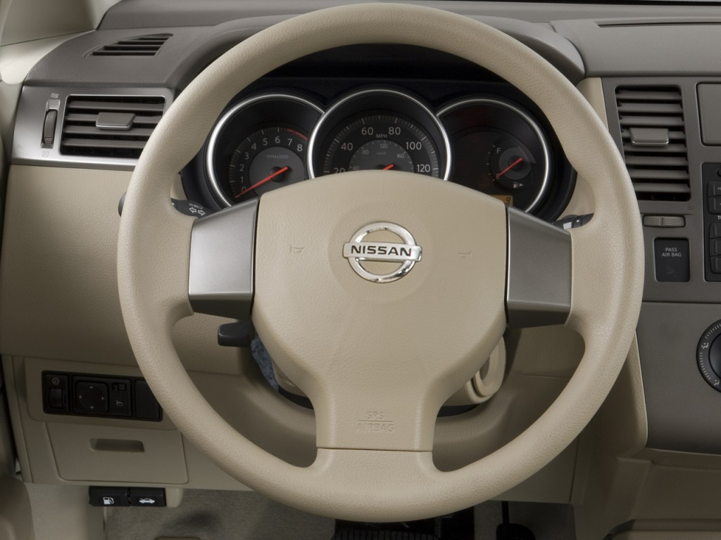image 2009 nissan versa 4 door sedan auto sl steering wheel size 1024 x 768 type gif. Black Bedroom Furniture Sets. Home Design Ideas