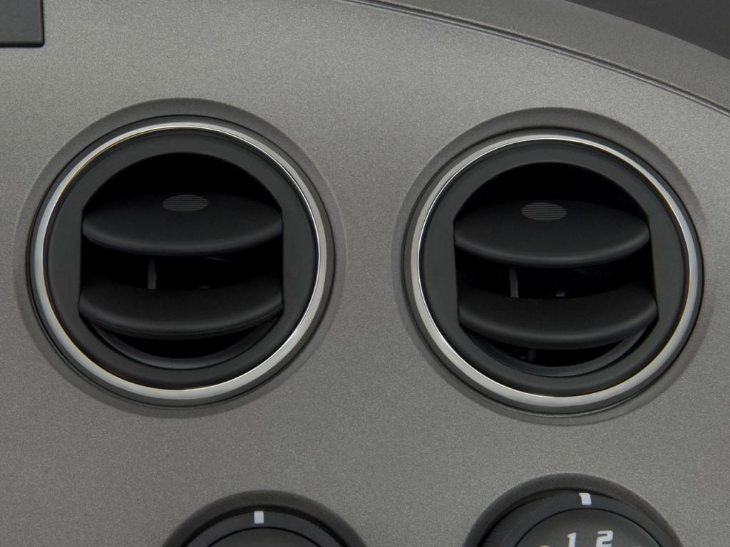 image 2009 pontiac solstice 2 door convertible gxp air vents size 1024 x 768 type