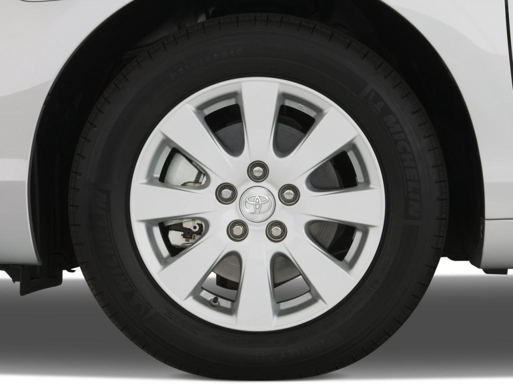 image 2009 toyota camry 4 door sedan v6 auto xle natl wheel cap size 102. Black Bedroom Furniture Sets. Home Design Ideas