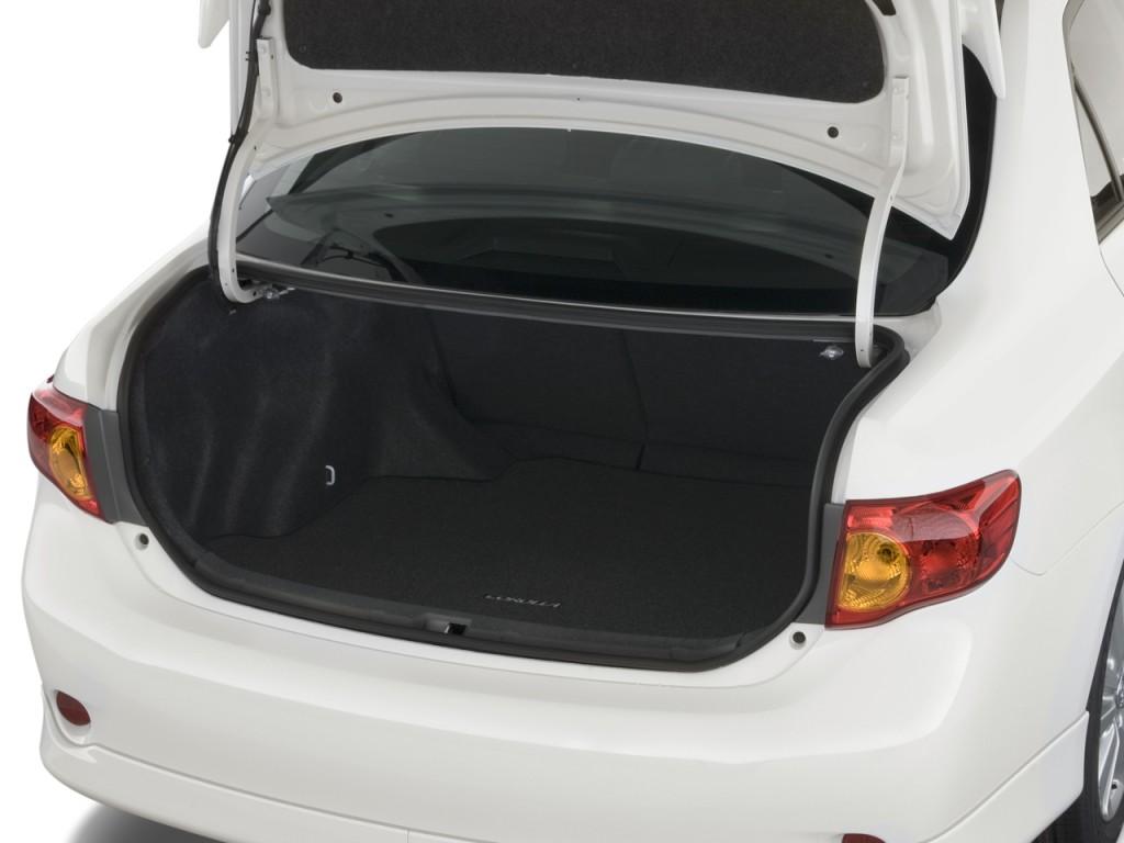 Toyota Corolla Door Sedan Auto S Natl Trunk L