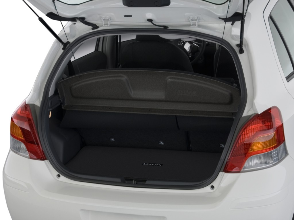 Toyota Yaris boot