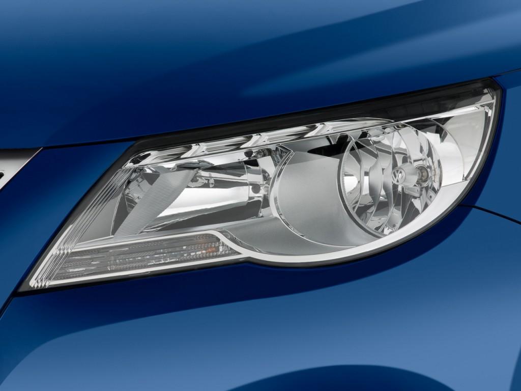 2009 Volkswagen Tiguan FWD 4-door SE Headlight
