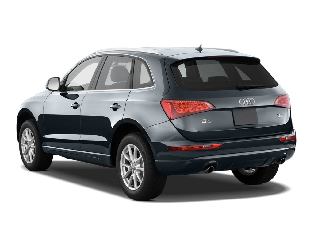 2010 Audi Q5 quattro 4-door 3.2L Premium Angular Rear Exterior View