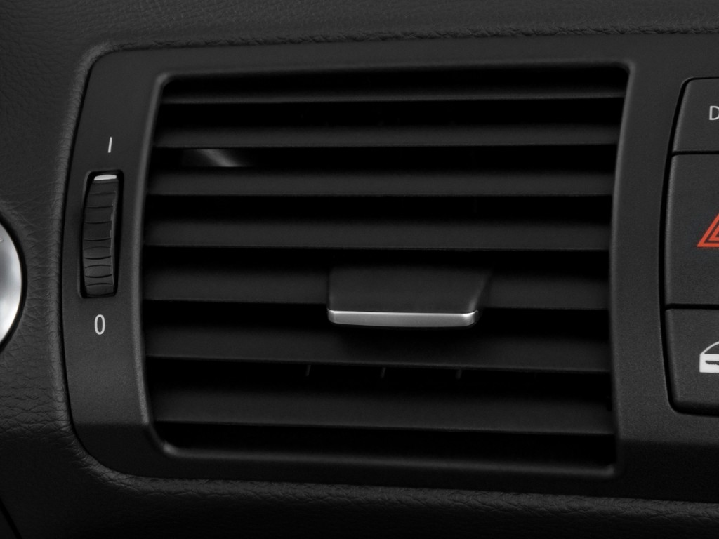 Image: 2010 BMW 1-Series 2-door Convertible 128i Air Vents, size: 1024 x 768, type: gif, posted ...