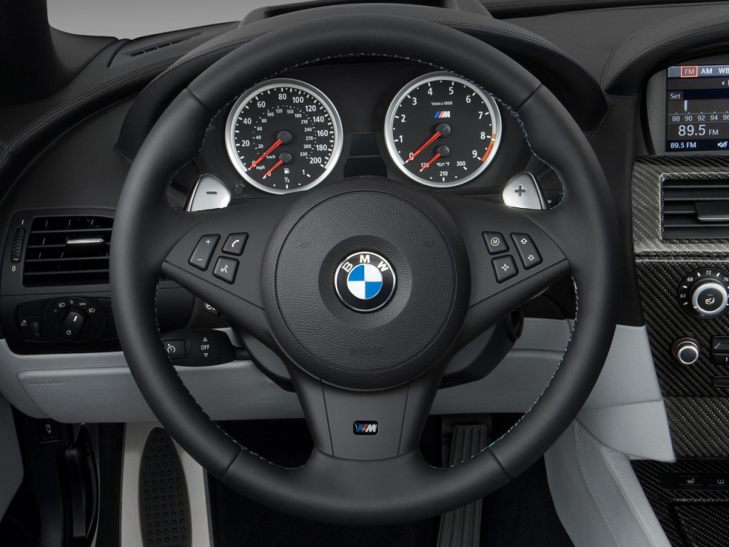 image 2010 bmw m6 2 door convertible steering wheel size. Black Bedroom Furniture Sets. Home Design Ideas
