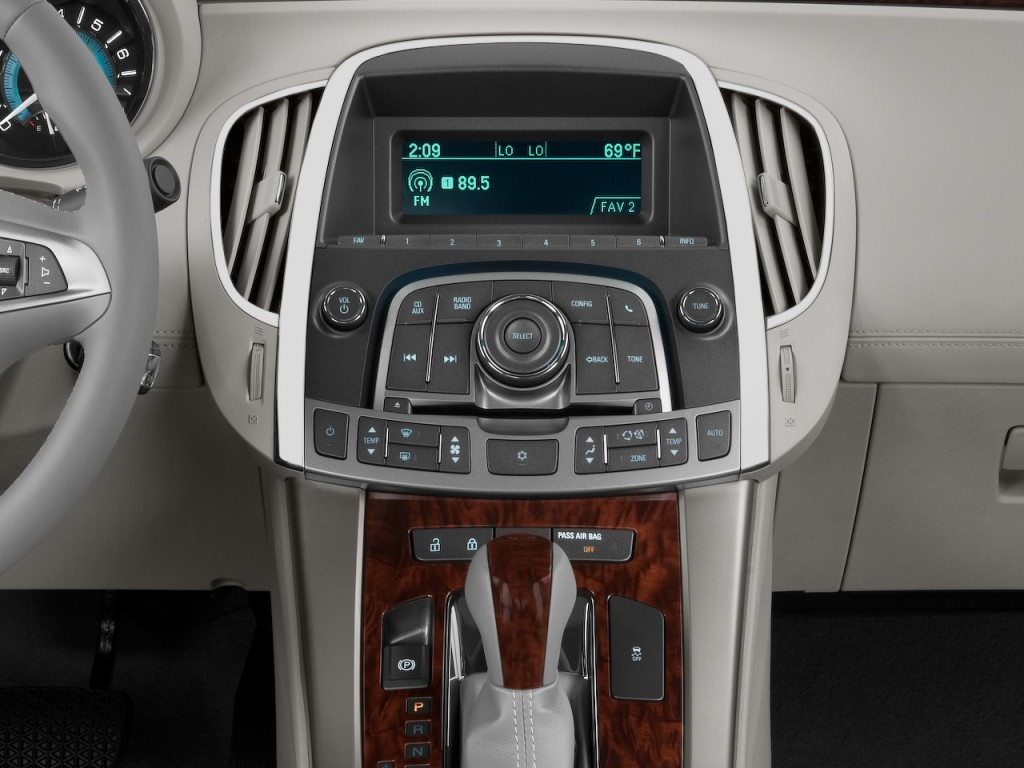 2010 Buick LaCrosse 4-door Sedan CX 3.0L Instrument Panel