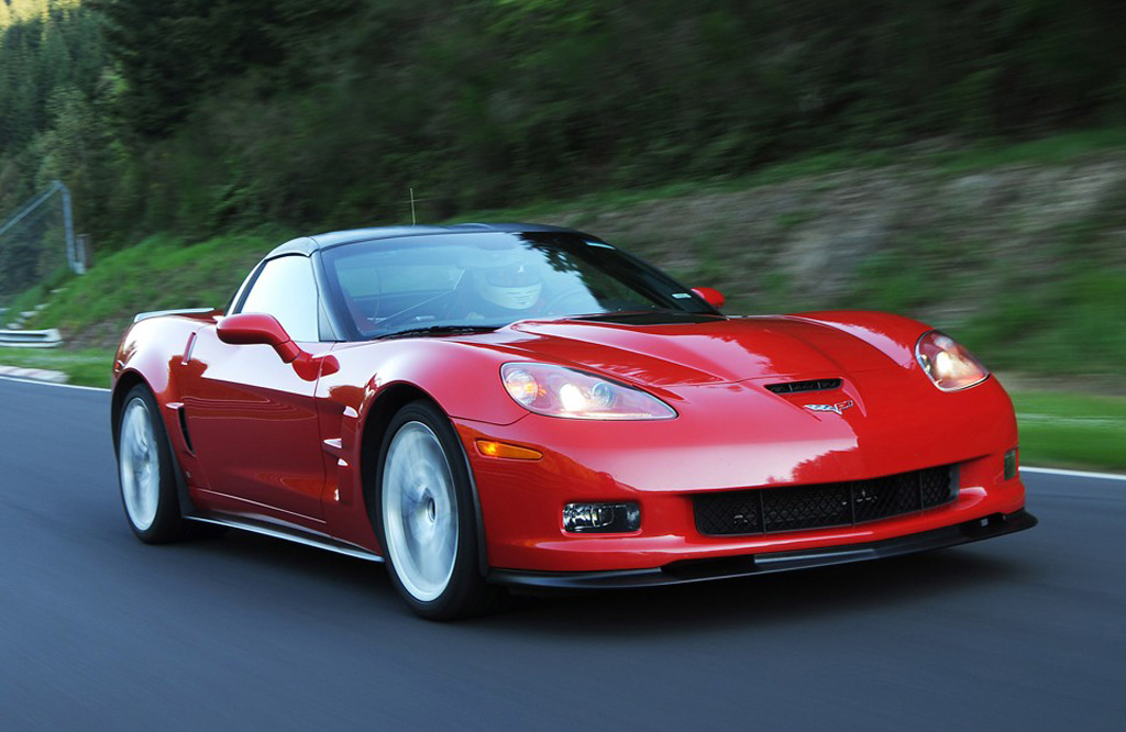 Corvette ZR1 Sets Laguna Seca Record, Beats New Viper GTS
