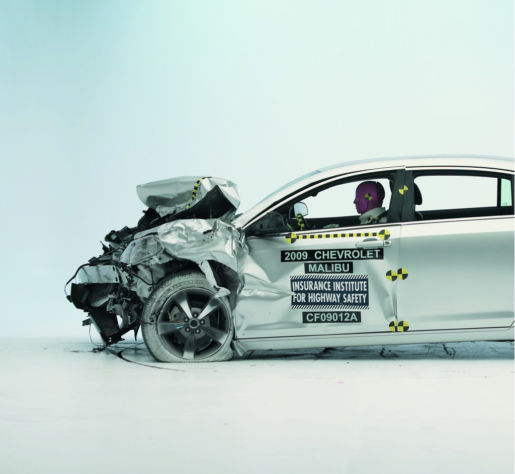 2010 Chevrolet Malibu - IIHS rear impact with semi-trailer, NO underride