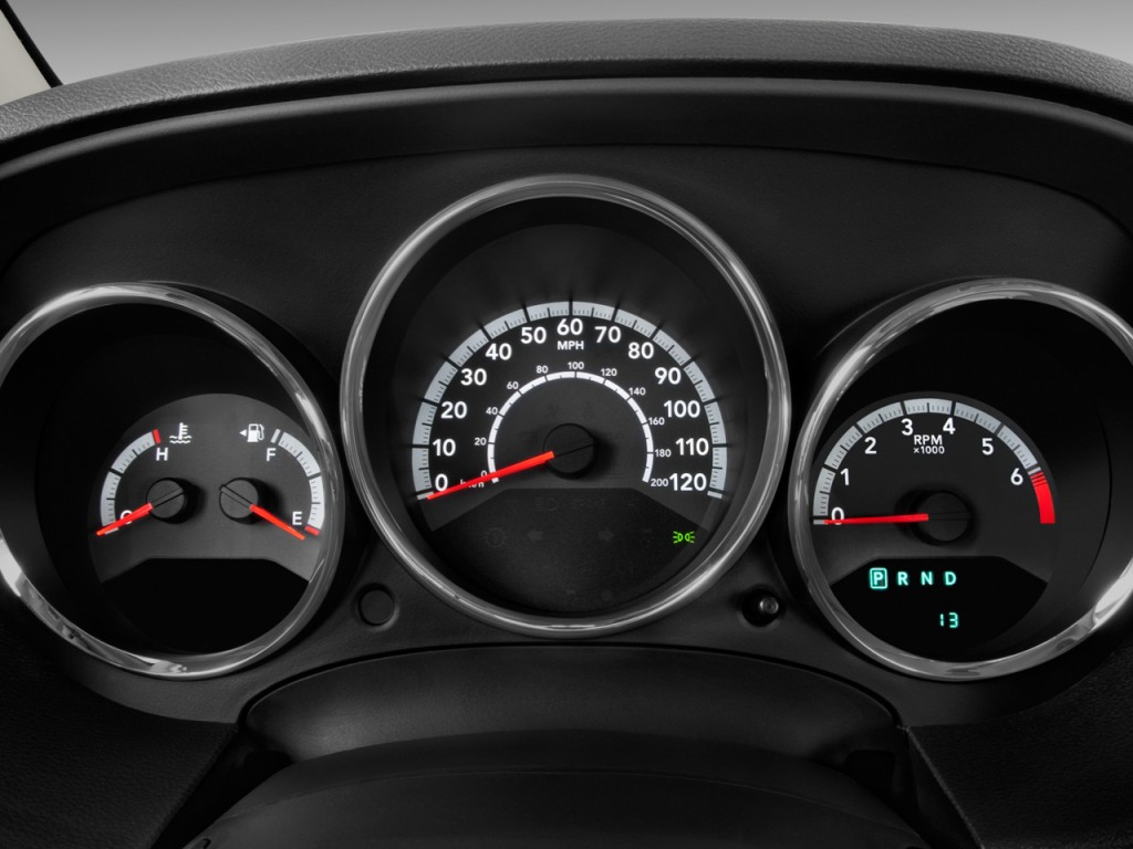2010 Dodge Caliber 4-door HB Mainstreet Instrument Cluster