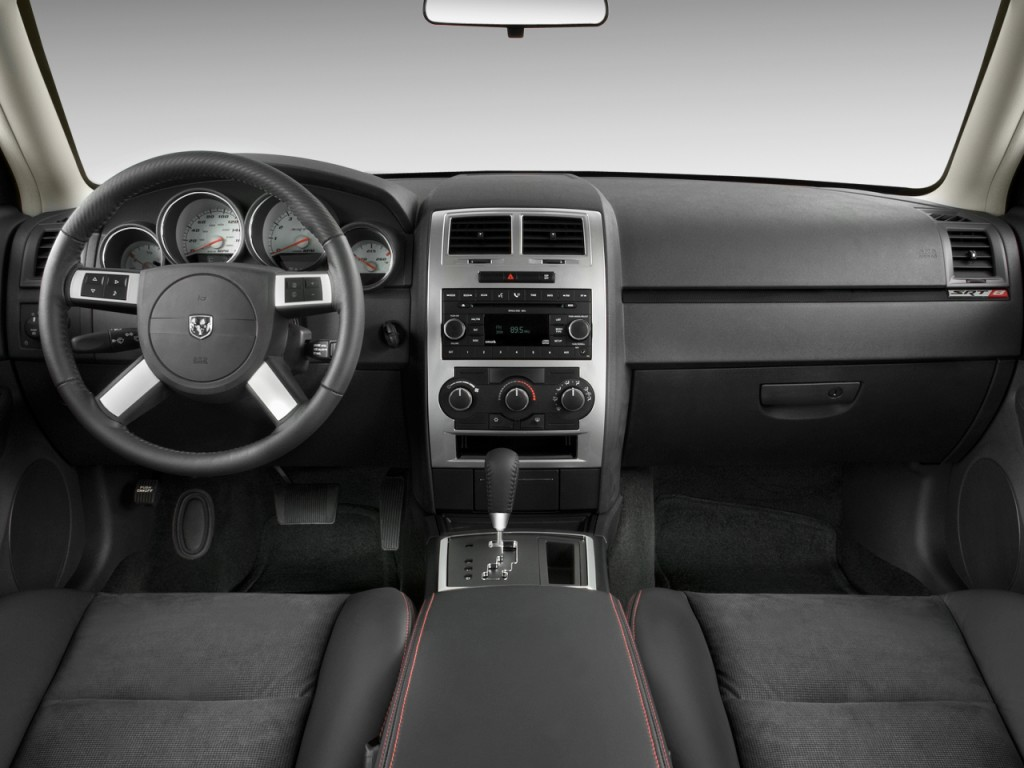 Image: 2010 Dodge Charger 4-door Sedan SRT8 RWD Dashboard ...