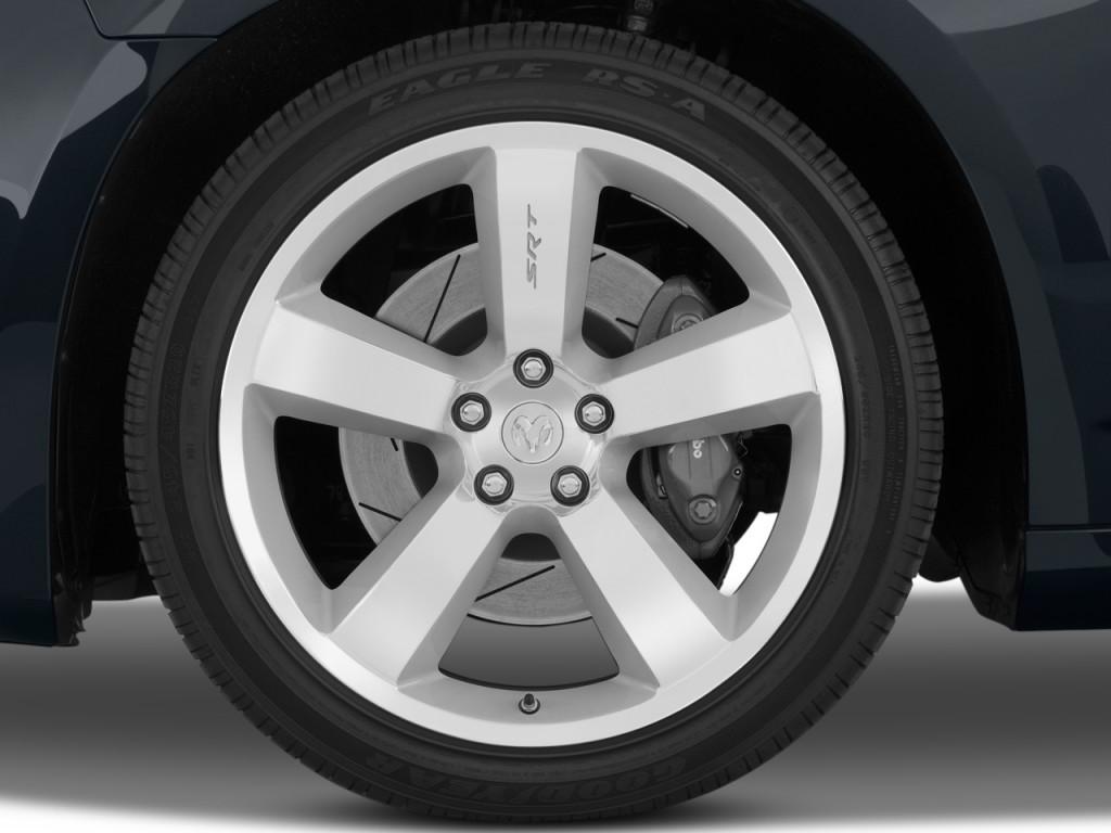 image 2010 dodge charger 4 door sedan srt8 rwd wheel cap. Black Bedroom Furniture Sets. Home Design Ideas