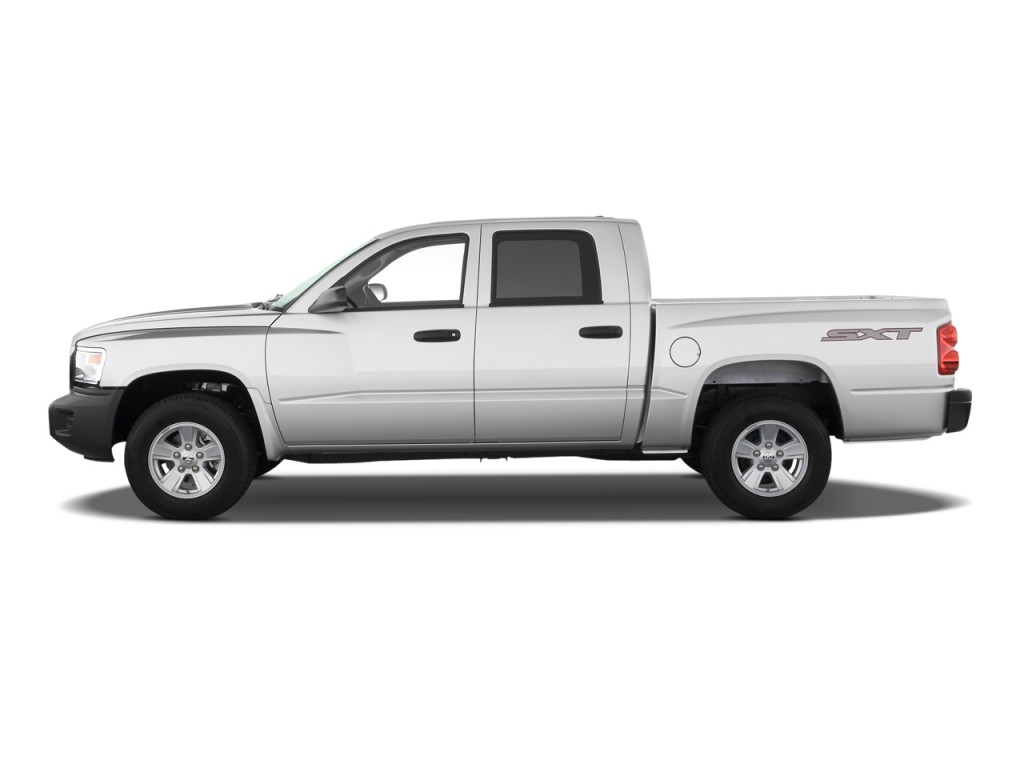 2010 Dodge Dakota 2WD Crew Cab ST Side Exterior View