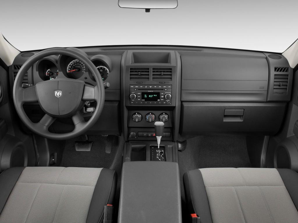2010 Dodge Nitro 4WD 4-door SXT *Ltd Avail* Dashboard