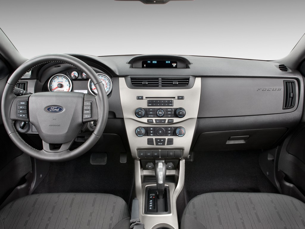 Image 2010 Ford Focus 2door Coupe SE Dashboard size 1024 x 768
