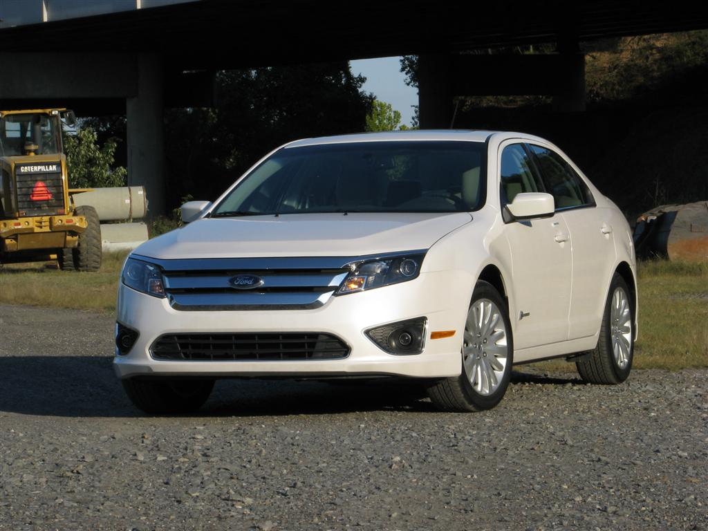 All new 2013 ford fusion hybrid to get 47 48 city mpg report