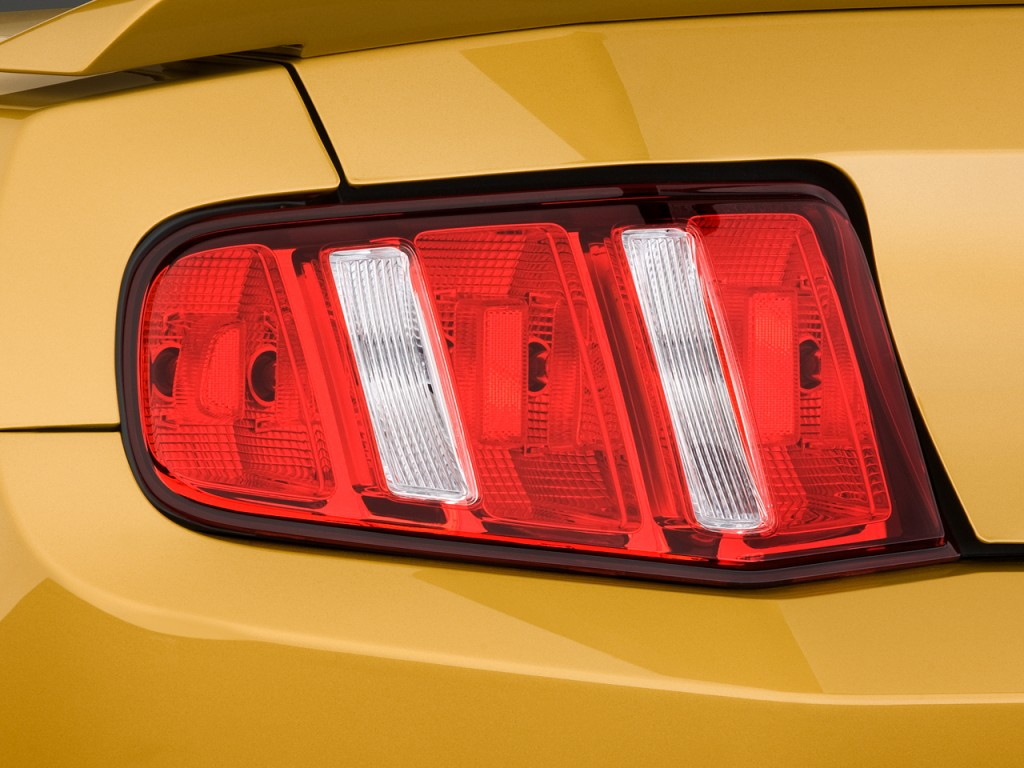 image 2010 ford mustang 2 door coupe gt premium tail. Black Bedroom Furniture Sets. Home Design Ideas