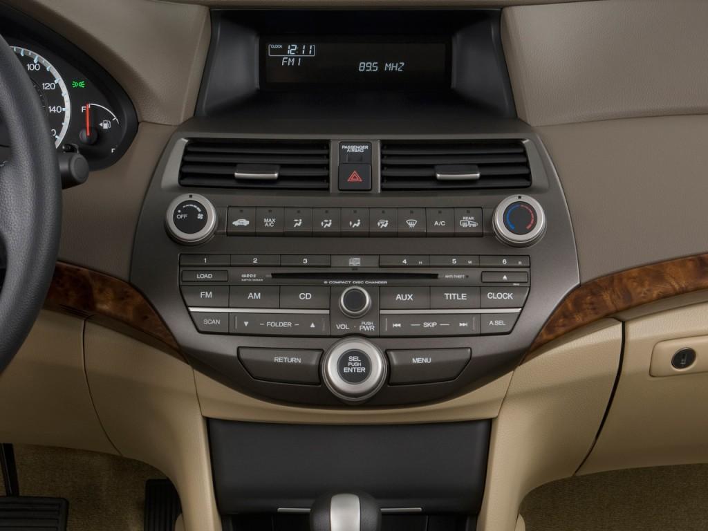 Image 2010 Honda Accord Sedan 4 Door I4 Auto Ex