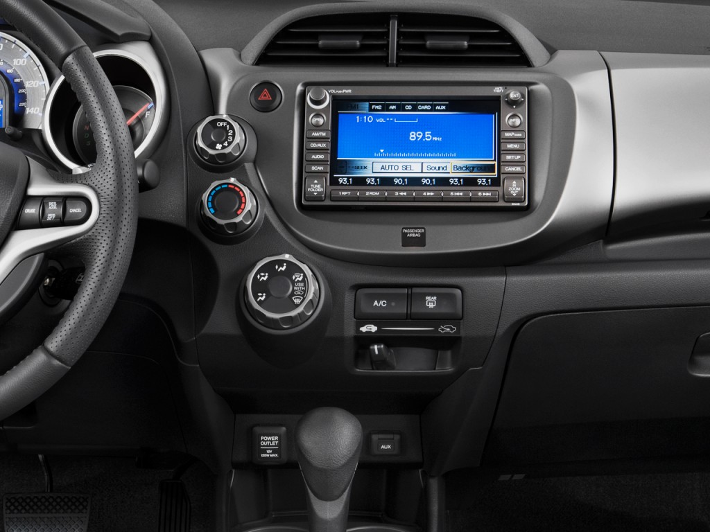 Image: 2010 Honda Fit 5dr HB Auto Sport w/VSA & Navi Instrument Panel, size: 1024 x 768, type ...