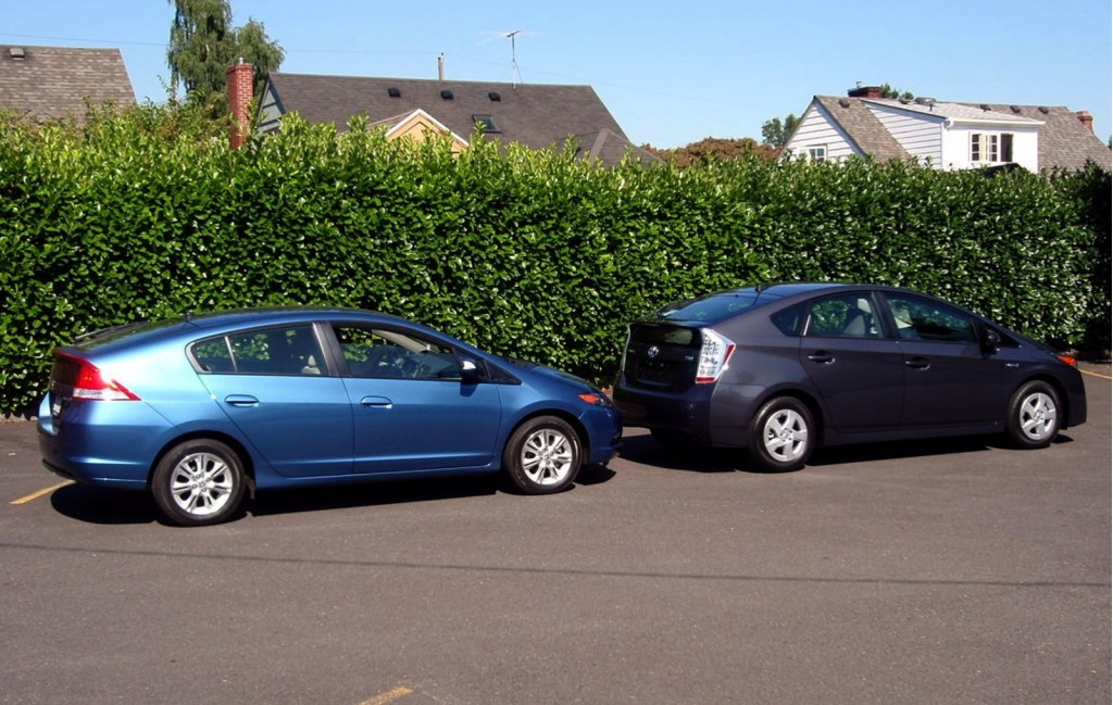 2010 Honda Insight and 2010 Toyota Prius