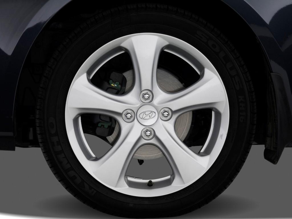 image 2010 hyundai accent 3dr hb auto se wheel cap size. Black Bedroom Furniture Sets. Home Design Ideas