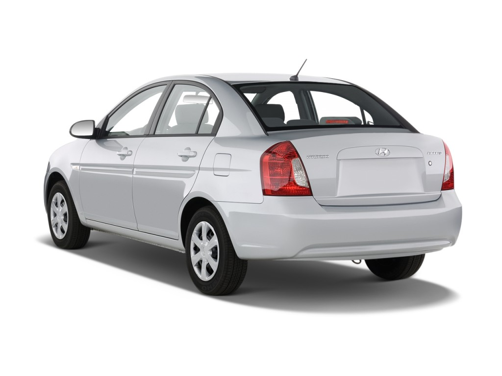 Image 2010 Hyundai Accent 4 Door Sedan Auto Gls Angular
