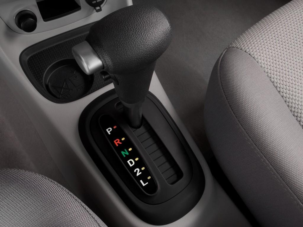 Hyundai Accent Door Sedan Auto Gls Gear Shift L