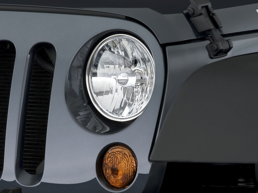 Used 2015 Tahoe >> Image: 2010 Jeep Wrangler 4WD 2-door Rubicon Headlight ...