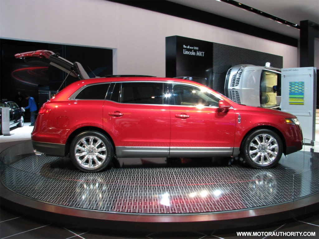 image 2010 lincoln mkt crossover at naias 04 size 1024 x 768 type gif posted on january. Black Bedroom Furniture Sets. Home Design Ideas