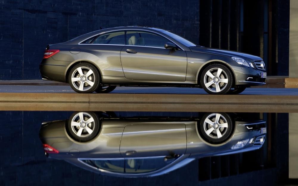 2009 New York Show: 2010 Mercedes-Benz E-Class Coupe Joins Sedan