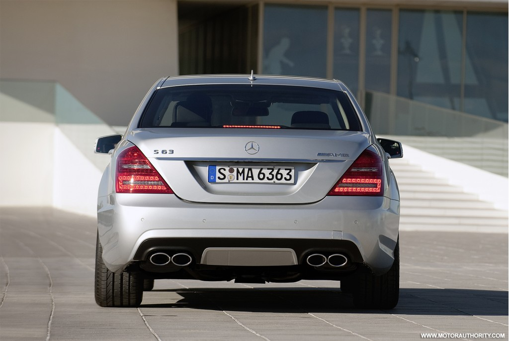 Image 2010 mercedes benz s63 amg 008 size 1024 x 685 for Mercedes benz s63 amg 2010