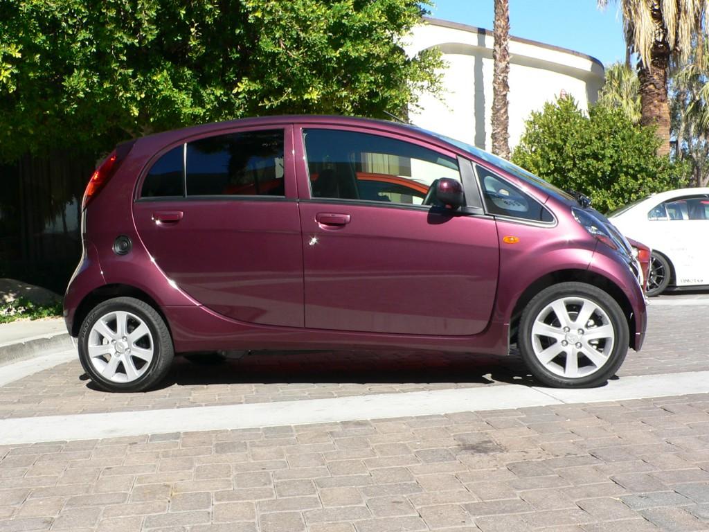 2010 Mitsubishi i