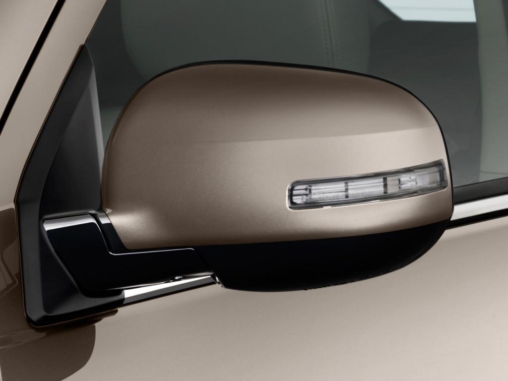 2010 Mitsubishi Outlander AWD 4-door GT Mirror