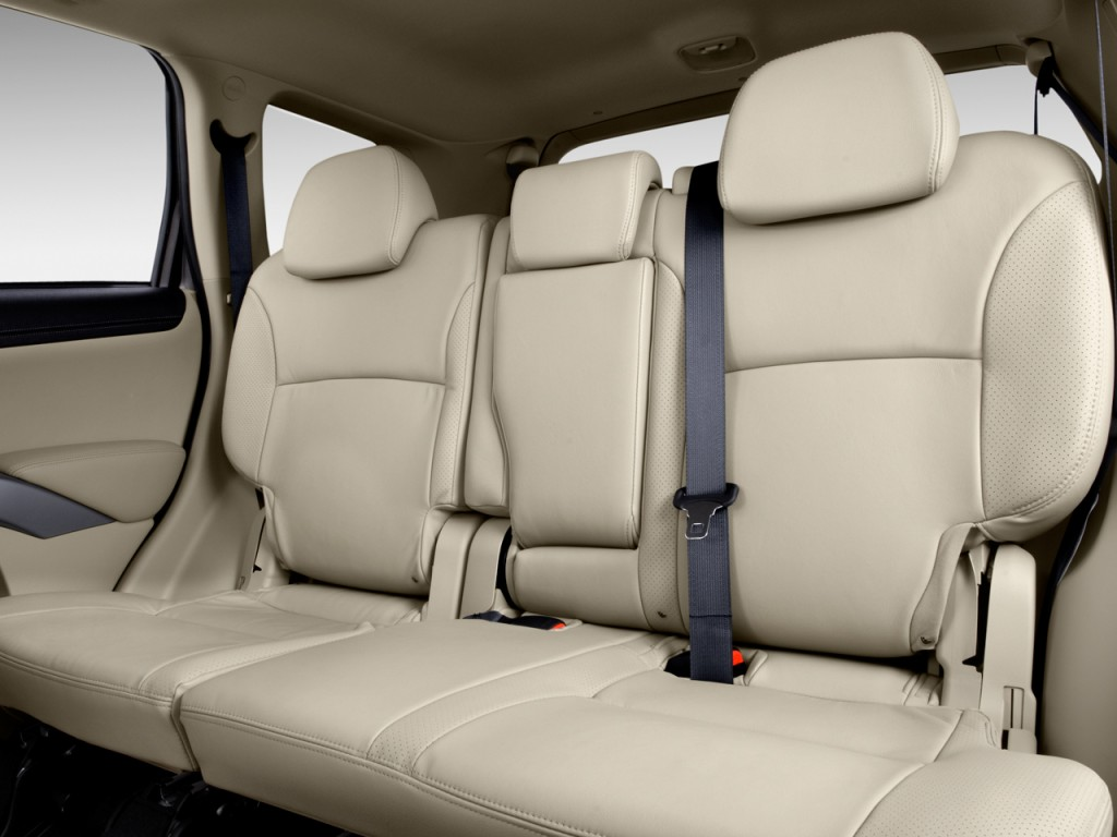 2010 Mitsubishi Outlander AWD 4-door GT Rear Seats